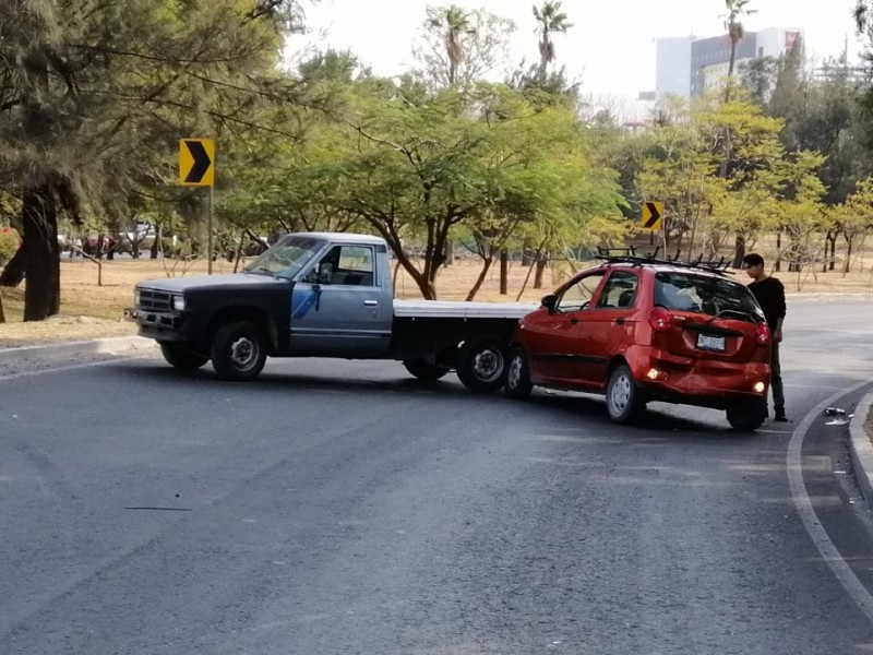 Aumentan accidentes de auto en Diciembre