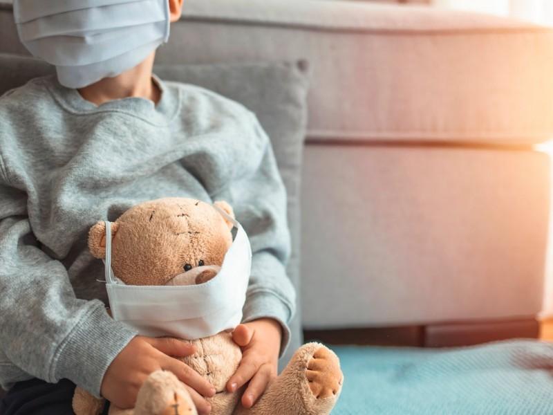 Aumentan contagios por COVID-19 entre menores de edad
