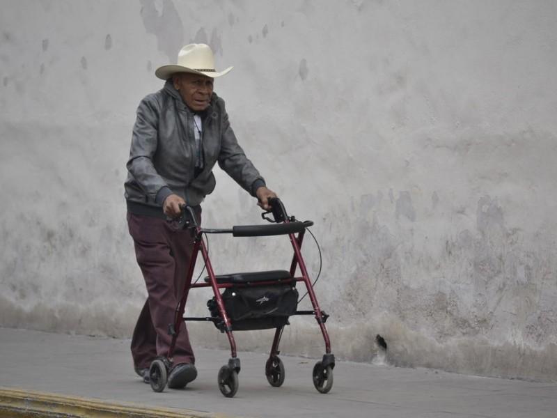 Aumentan fraudes y robos a adultos mayores
