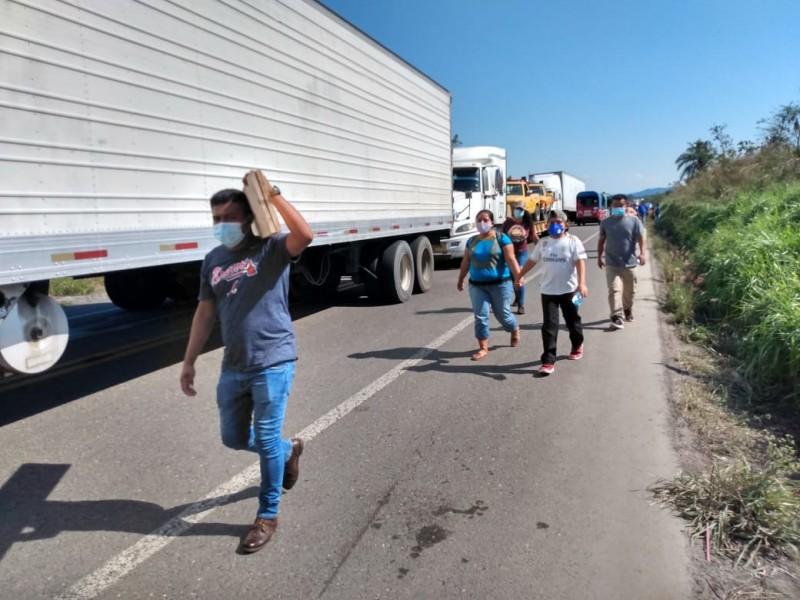 Aumentan las afectaciones por el tercer día de bloqueo carretero
