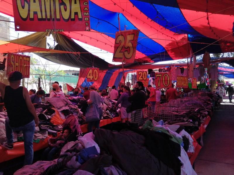 Aumentan las ventas para comerciantes en días Santos