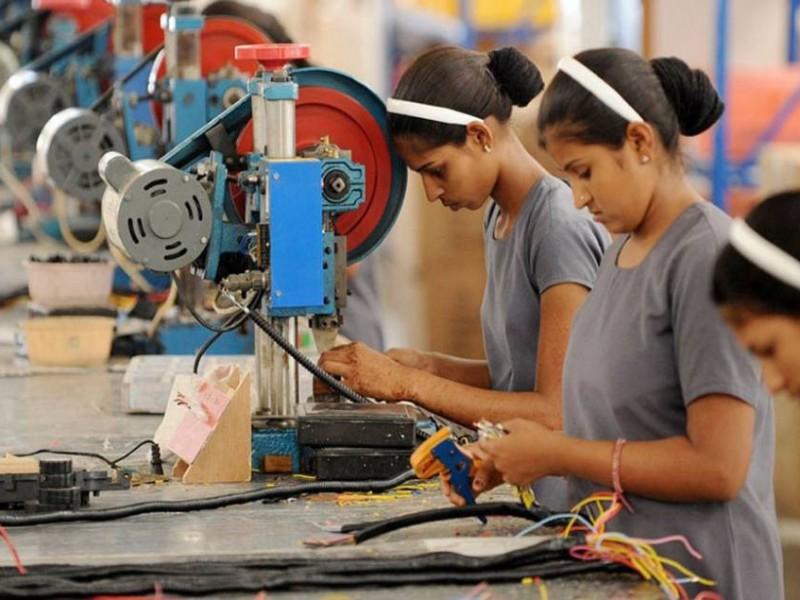 Aumentan los empleos, pero los salarios no