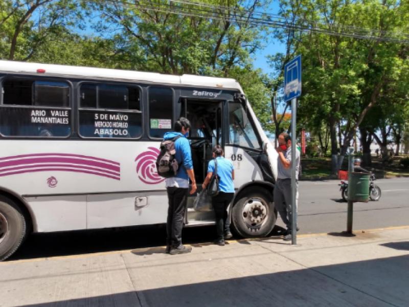 Aumentan robos con violencia a transporte público en Michoacán