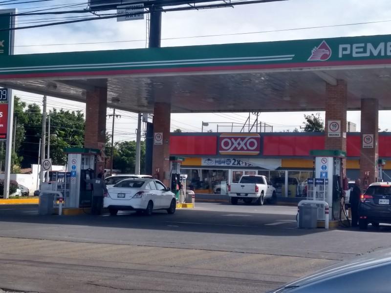 Aumento en gasolina merma ingresos de automovilistas
