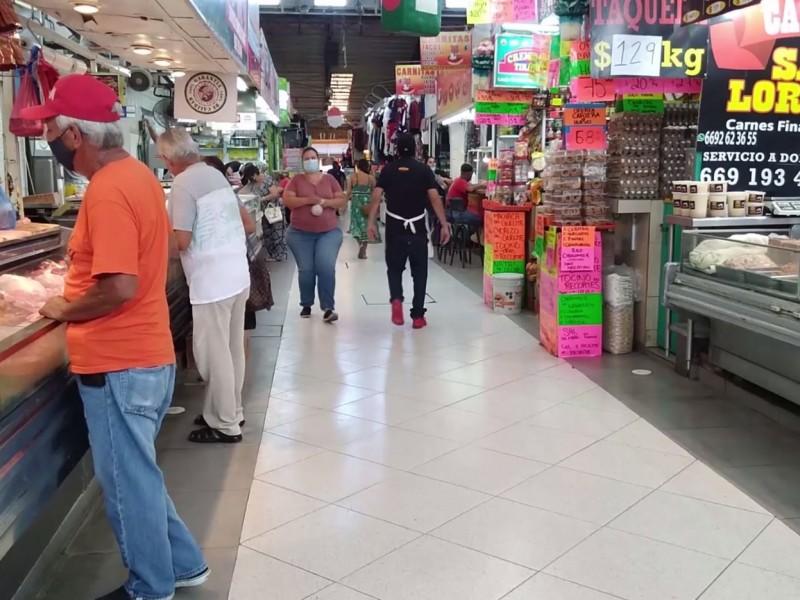 Aún no exigen cartilla vacunación en Mercado PinoSuárez Mazatlán