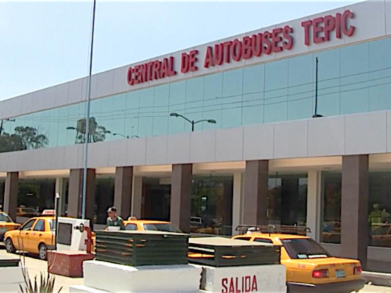Autobuses sólo podrán detenerse en terminales oficiales: Tránsito