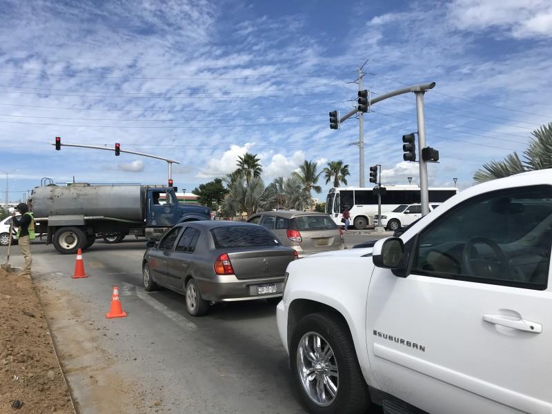 Automovilistas definen cómo caótico el tráfico en CSL