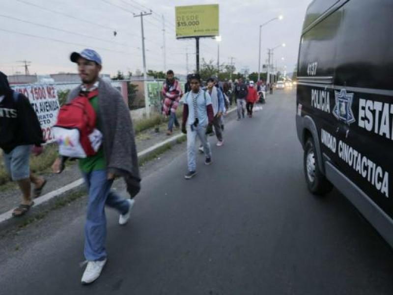 Autoridades apoyan caravanas de migrantes