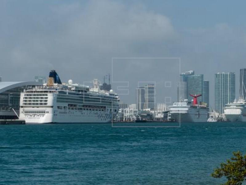 Autoridades de EE.UU recomiendan no viajar en cruceros