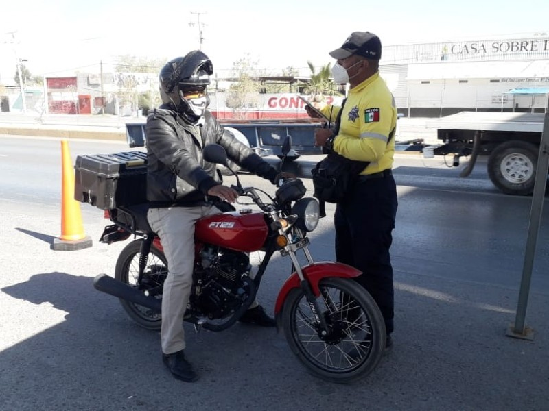 Autoridades deben promover cultura vial no, recaudar: motociclista lagunero