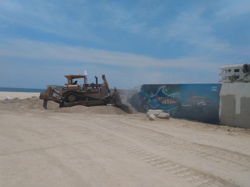 Autoridades estatales autorizan demolición de muro en Costa azul