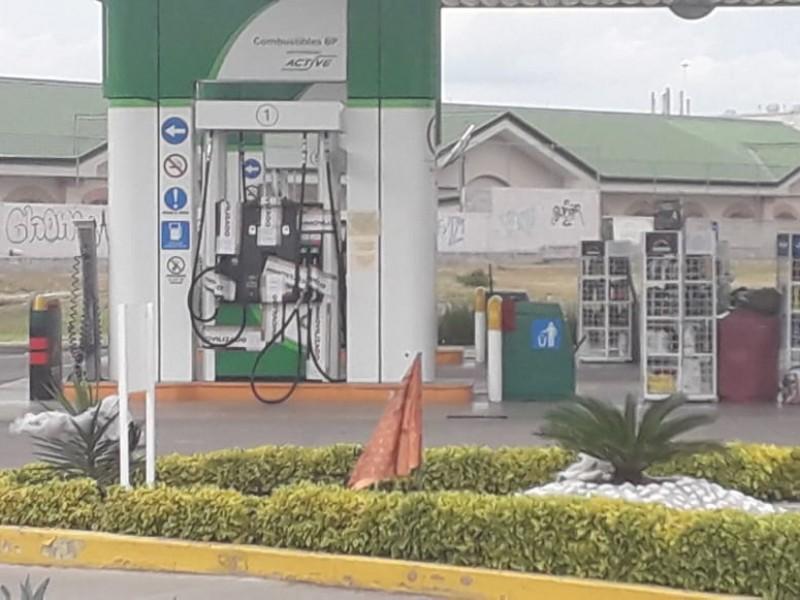 Autoridades federales suspenden gasolinera por irregularidades
