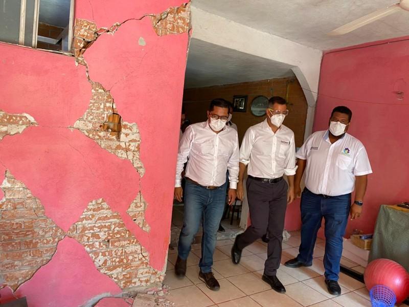 Autoridades gubernamentales revisan daños en Huatulco