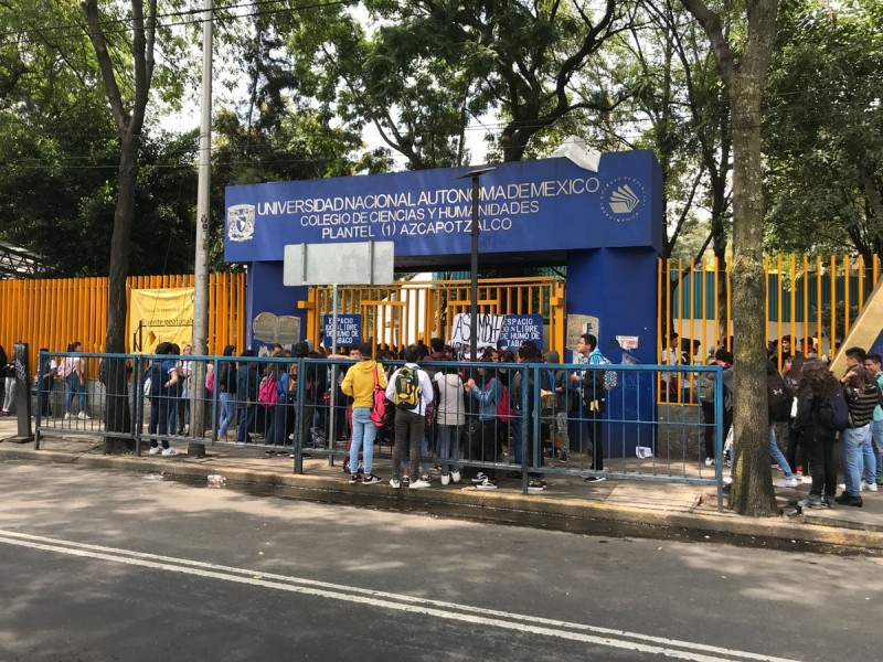 Autoridades ofrecen diálogo a paristas del CCH Azcapotzalco