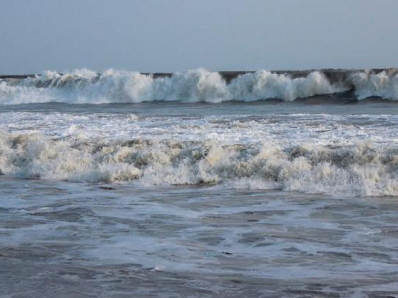 Autoridades piden extremar precauciones en zonas de playa