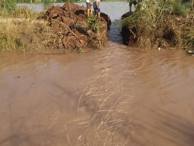Autoridades sin atender inundaciones en Ferrusquilla