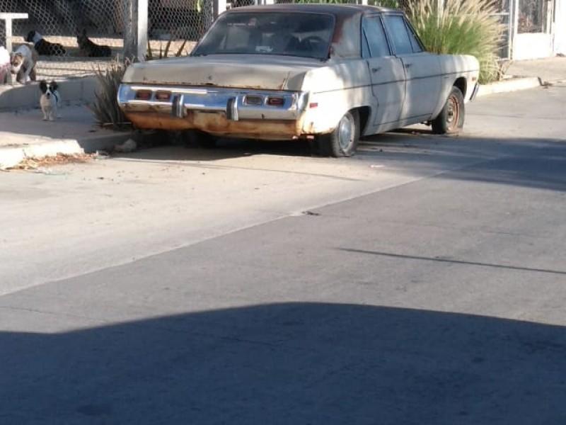 Autos chatarra serio problema en el municipio
