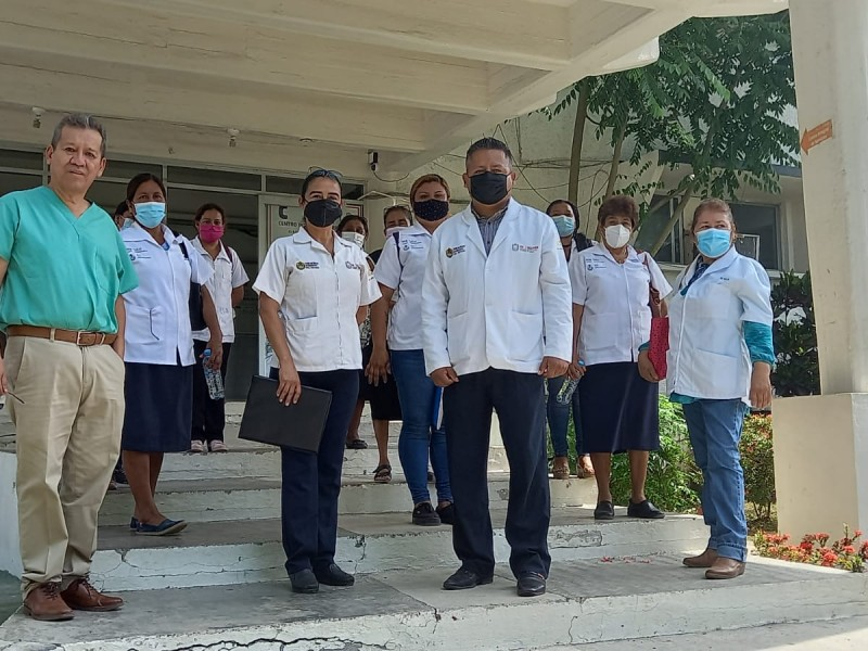 Auxiliares de Salud promueven vacunación contra el Covid19