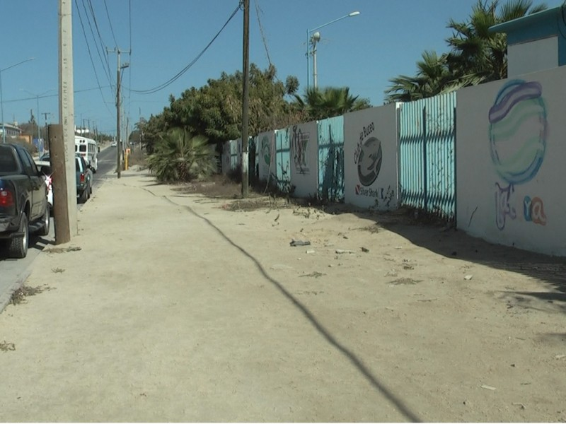 Av Los Cabos carece de infraestructura vial