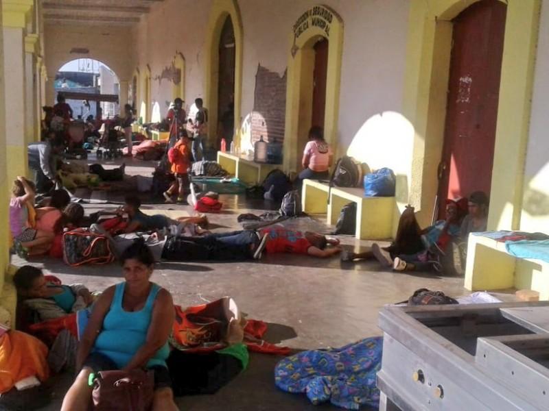 Avanza  caravana de migrantes a Santiago Niltepec