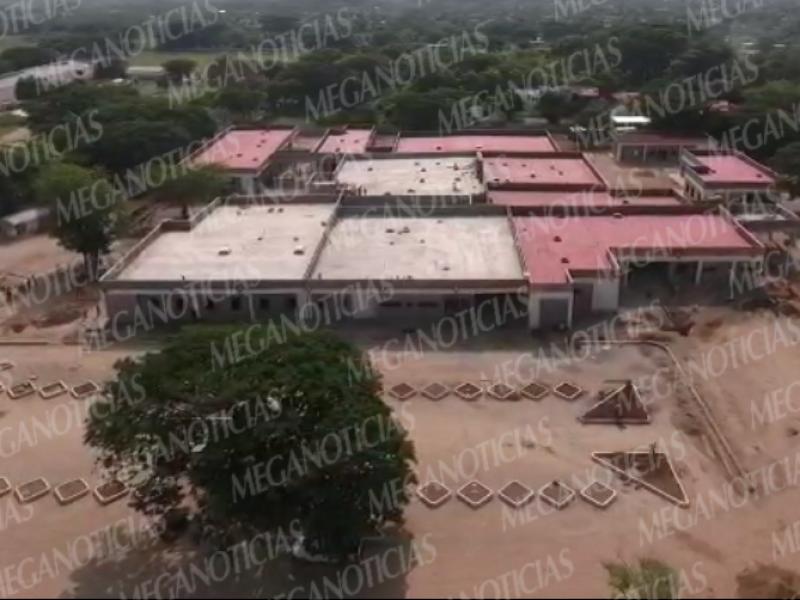 Avanza la construcción del hospital en Juchitán