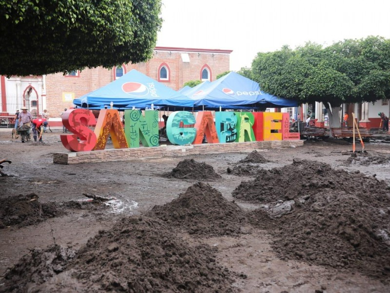 Avanza limpieza en San Gabriel tras siniestro