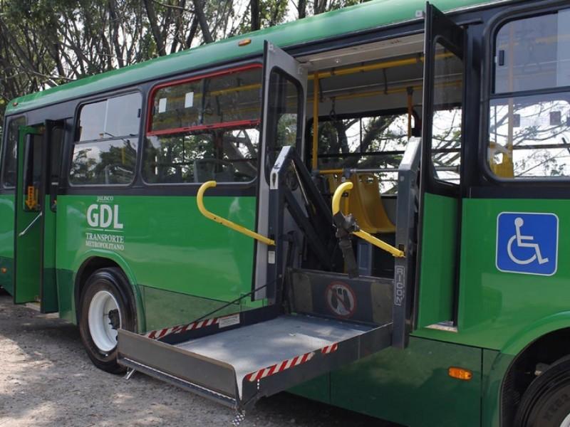 Avanza propuesta para que 100% del transporte público tenga rampas
