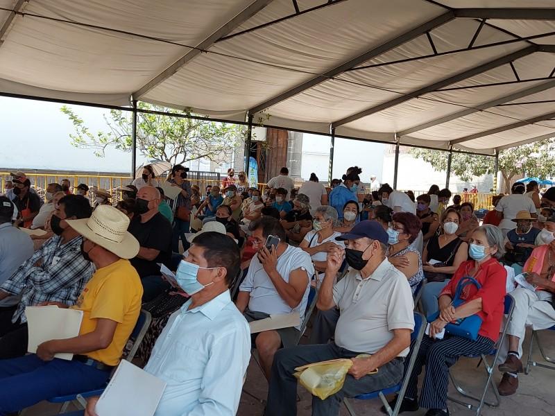 Avanza segunda aplicación de vacuna con fluidez en Toluquilla