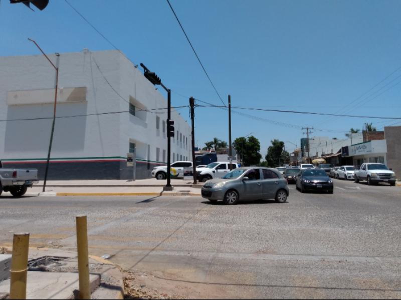 Avanza semaforización por la calle Cuauhtémoc