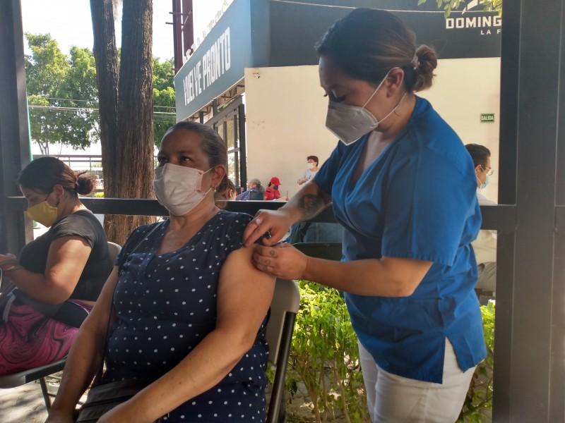 Avanza vacunación anticovid en León con esquemas incompletos; sin inmunidad