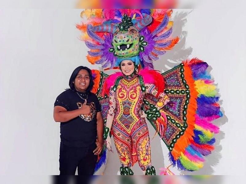 Avelino Roque, el oaxaqueño que vistió a la Miss Universo