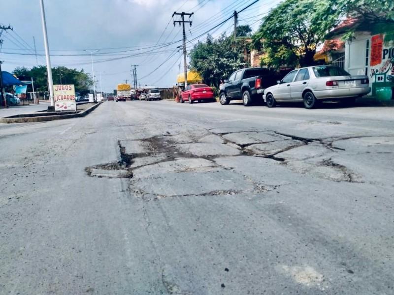 Avenida Cuauhtémoc totalmente destrozada