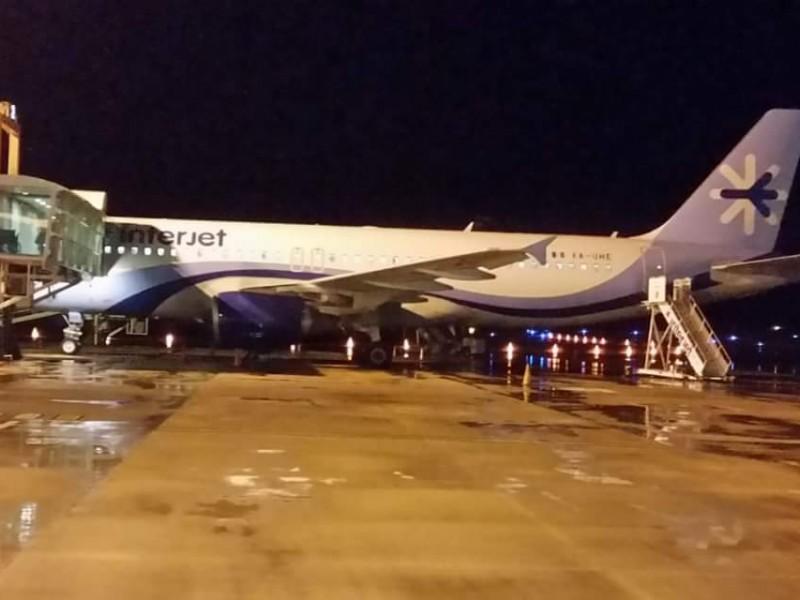 Avión aterrizó de emergencia en aeropuerto de Chiapas