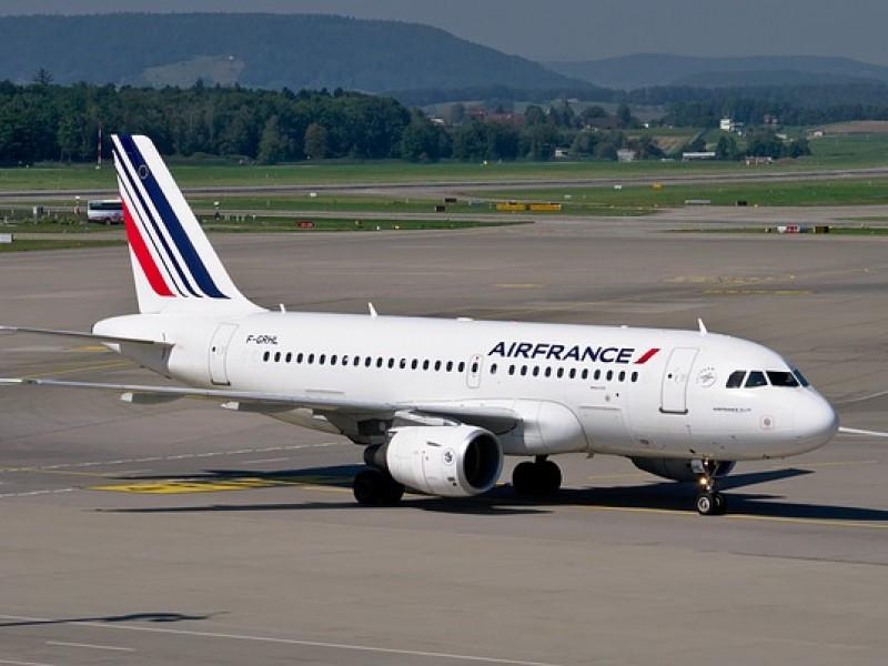 Avión de Air France aterriza de emergencia por pasajero agresivo