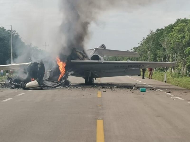Avioneta cae en plena carretera de Quintana Roo