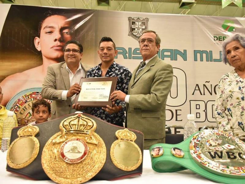 Ayuntamiento de GP reconoce a Cristian Mijares