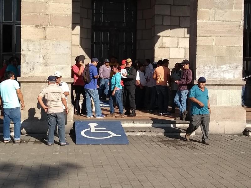 Ayuntamiento de Tepic debe 80 MDP a trabajadores