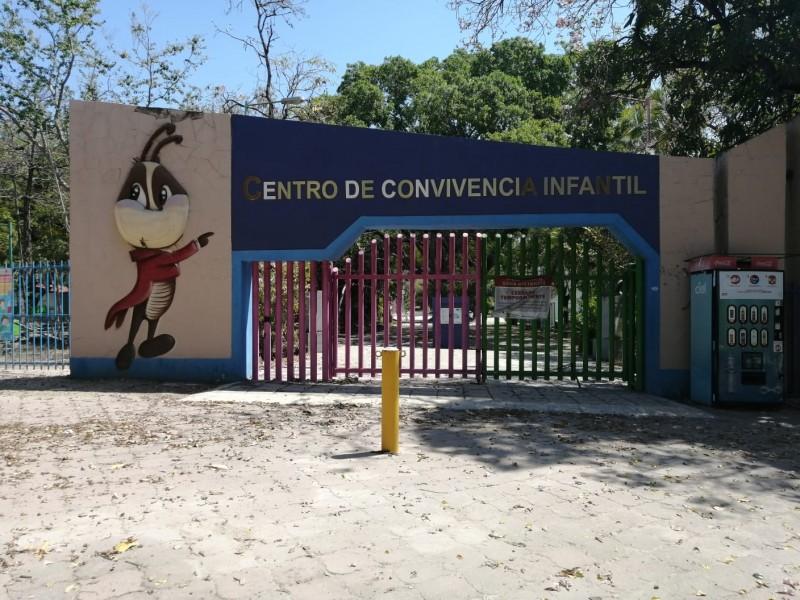 Ayuntamiento manda a soldar accesos de Convivencia Infantil