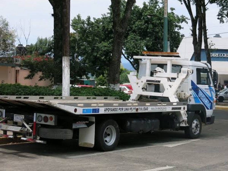 Ayuntamiento solicitará regulación de cobros de grúas