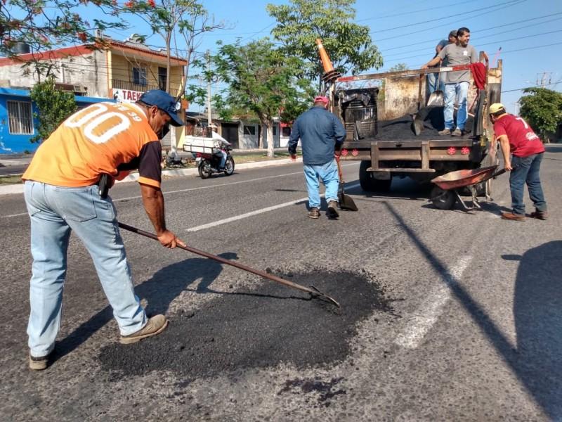 Bacheo insuficiente, 60% de calles de Colima requieren reencarpetamiento general