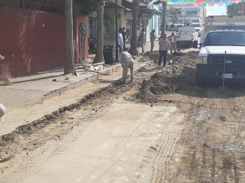 Baches calle Hidalgo tras fugas