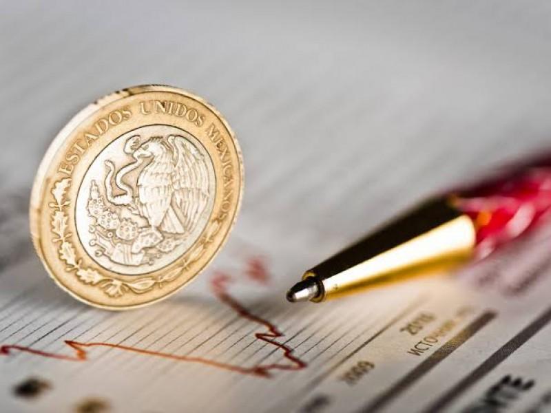 Baja inflación y sorprende a economistas
