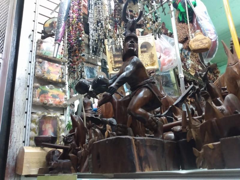 Bajan ventas de artesanía y juguetes tradicionales