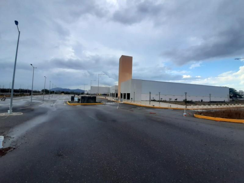 Bajo presuntas irregularidades operará plaza Metropolitana Salina Cruz