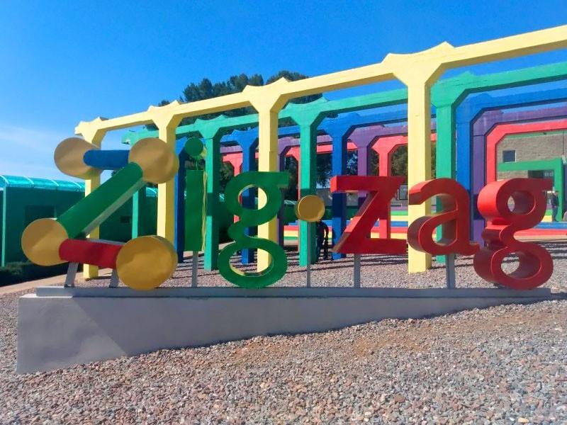 Becarios del Zig Zag esperan el pago de sus becas