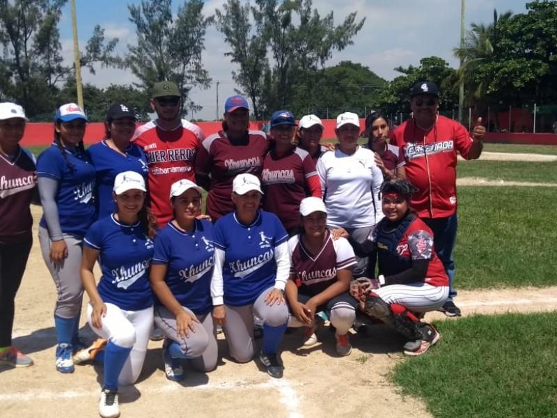 Beisbolista Oaxaqueño motiva a deportistas del istmo