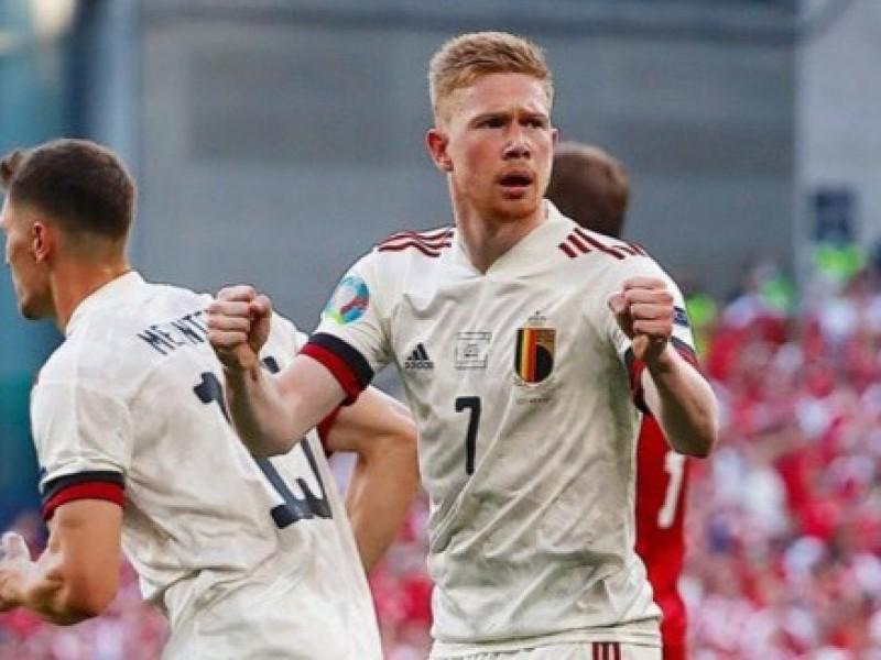 Bélgica derrota a Dinamarca y se clasifica a octavos