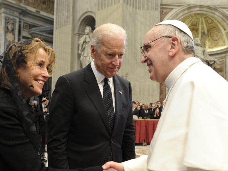 Bendice y felicita el Papa Francisco a Joe Biden