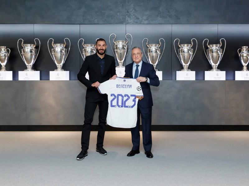 Benzema renueva con el Real Madrid hasta 2023