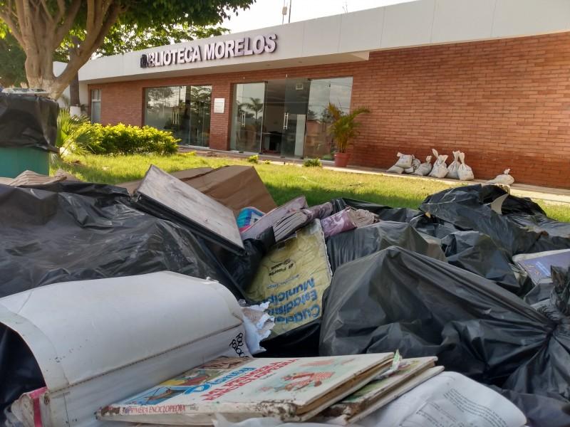 Biblioteca Morelos con cuantiosos daños por inundación